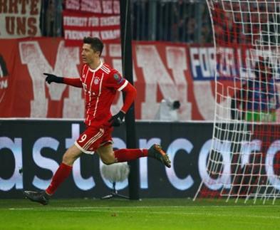 Bayern Munich 5-0 Besiktas: 'Hùm xám' nuốt chửng 'Ó đen'